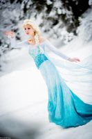 Ice Queen Elsa by CosplaySymphony