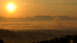 Sunrise in the mountains by Nuoga