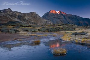 Red spot at the top of Vanoise by vincentfavre