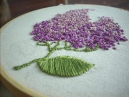 Lilac - simple embroidery by UszatyArbuz