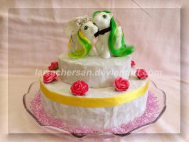 Wedding Couple on cake by LarraChersan