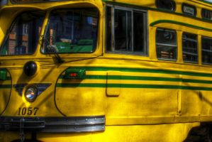 San Francisco Yellow Bus by spudart