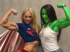 supergirl and she hulk by wachiturro