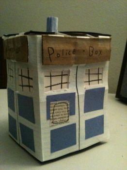 Cardboard Tardis by Shade-of-The-Sheikah