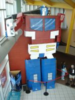 Optimus prime above by lilmikeegee
