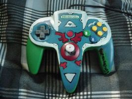Hylian shield N64 controller by Keirii-of-Celts