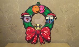 Christmas wreath - Perler by RavenTezea