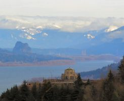Vista House over the Gorge by wallawallabigguy