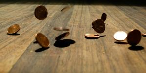 Bouncing coins. by Iolivier