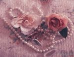 Pearls and roses by FrancescaDelfino