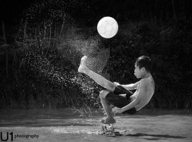 Overhead Kick-3 by yuanyuanyuan