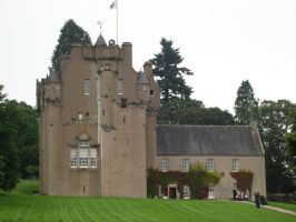 Crathes Castle by Akuma-de-soro