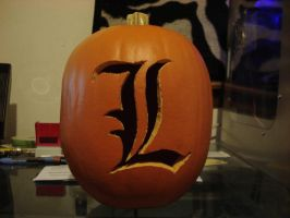 L Death Note Pumpkin by RebelATS