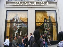 Louis Vuition :-0 by Gundamluver