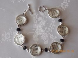 Music design bracelet by Quested-Creations