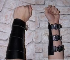leatherbracers by Andorian