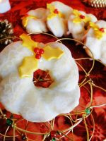 12 Days of Christmas :: 5 Golden Wreath Cookies by cakecrumbs