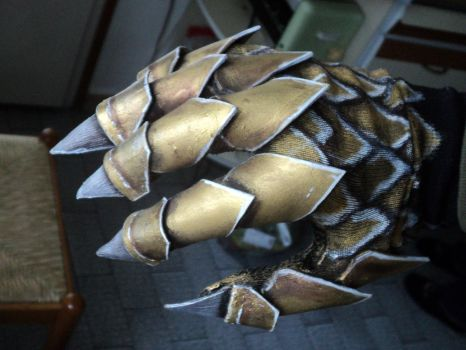 WIP -  Hand Armor (glove) - Elf Dragon by Lord-Omega83