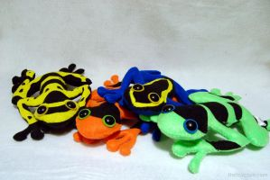 A Chorus of Plush Poison Frogs by WeAreSevenStudios