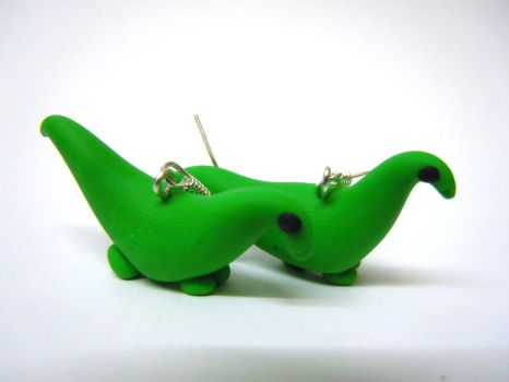 Green diplodicus earrings by Gillyflower-Designs