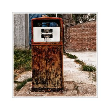 Old Fuel Pump by gustavoibanez