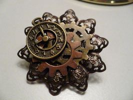 Steampunk pin/hairclip by Rainbowkitty-Designs