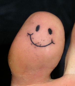 the smiling toe by Robert-Franke