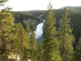 Yellowstone Upper Falls by rioka