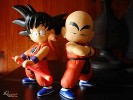Goku and Krillin figures by LiviuSquinky