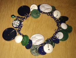 Vintage Buttons - Eidelweiss clover bracelet by Lovelyruthie