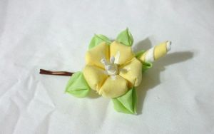 Small yellow morning glory kanzashi by EruwaedhielElleth