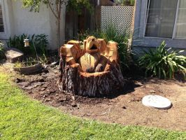 Bear carved out of a tree by W4RNEVERCHANGES