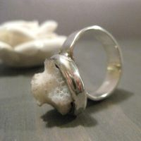 Small Natural coral - ring by Jealousydesign