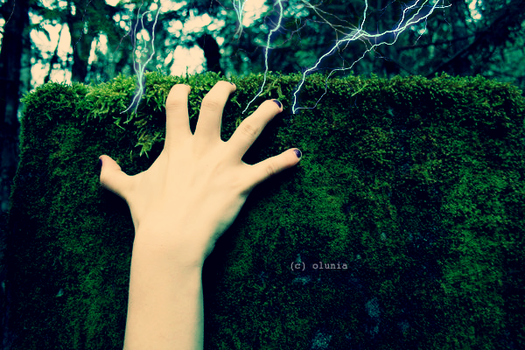I've got a power in my hand by Olunia