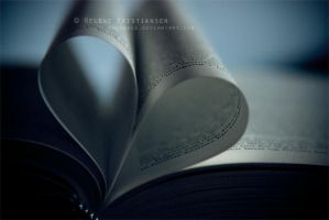 Love and passion for books... by Heleneee
