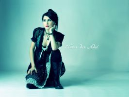 Sharon den Adel by perikls