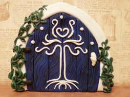 Twilight Tree Fairy Door by FlyingFrogCreations