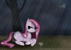 Pinkamina, it's raining by Musapan