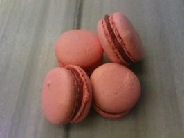 pink macaroons by snaplilly
