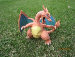 Charizard Papercraft by Odolwa5432