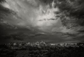 Clouds over Pitigliano by vamosver