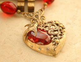Romantic Victorian Heart Necklace by byrdldy