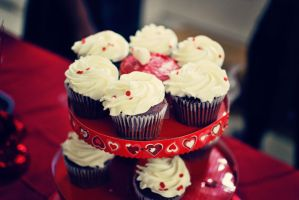 Red Velvet Cupcakes by love-in-focus-Photo