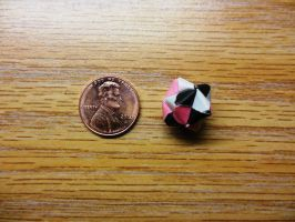 Mini Origami Ball - Day 84 by ninjakitty94