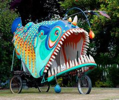 Parade float ... by JohnHapMurphy