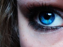 Blue Eye by trippietimes