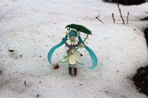 Miku's Umbrella by rellacrystal