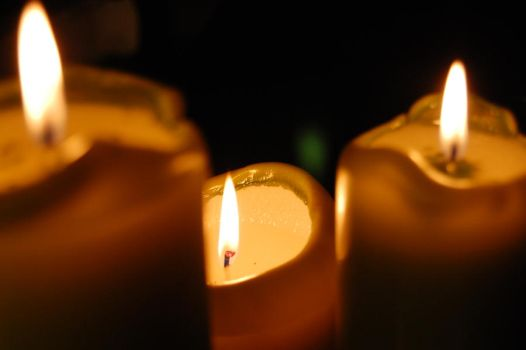candles 004 by Dw33n