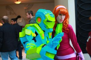 Katsucon 2014 - Mystery Man and Daphne by VideoGameStupid