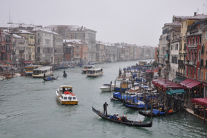 Venice in Winter by sushi-robots